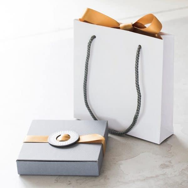 under-the-rose-gift-bag